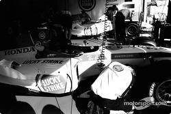 BAR-Honda team member at work