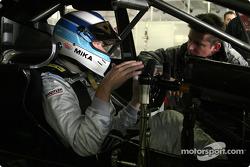 Mika Hakkinen teste la AMG-Mercedes C-Class DTM
