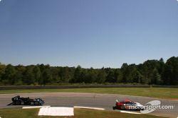 La Porsche 911 GT3 RSR n°45 Flying Lizard Motorsports : Johannes van Overbeek, Darren Law, Patrick H