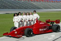 Wendy Mathis, Juliana Chiovitti, Rossella Manfrinato, Becca Anderson, Sarah McCune et Sandi Eden