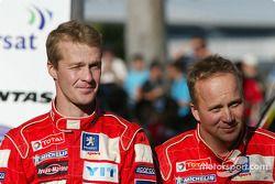 Podium : Harri Rovanpera et Risto Pietilainen fêtent leur deuxième place
