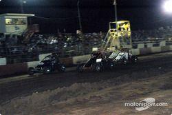 Rick Ziehl, les pilotes de Sprint Car de Hawaii Adam Ah Sing et Dean Freitas, et Charles Davis, Jr.