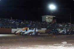Le pilote de Sprint Car de Hawaii s Jeff Villacorte et Gary Costa