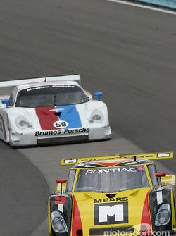La Pontiac Riley n°9 de Mears Motor Coach (Paul Mears Jr., Mike Borkowski, Sylvain Tremblay)