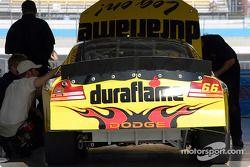La voiture de Busch Duraflame Dodge