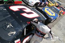 Une scène de course avec Dale Earnhardt