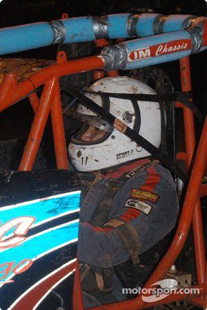 Le pilote de Sprint Car de Hawaii Brandon Ternora
