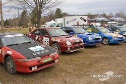 #13 - Scott Harvey et Kent Gardam, Eagle Talon de 1990, P-4 ; #12 - Frederic Labrie et Robert Labrie, Subaru WRX de 2002, P-4 ; #30 - Marc Bourassa et Jéremy Levert, Subaru Impreza de 1993, Open