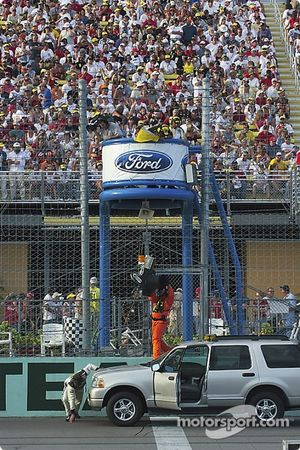 Homestead-Miami Speedway crew check the yellow light system