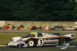 Rothmans Porsche Porsche 956 : Vern Schuppan, Al Holbert, Hurley Haywood