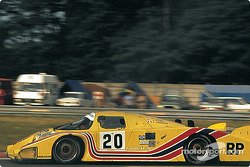 #20 Cooke Racing Lola T610 Ford: Ralph Kent Cooke, Jim Adams, François Servanin