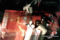Boxenstopp für #34 Team Australia Porsche 956: Larry Perkins, Peter Brock