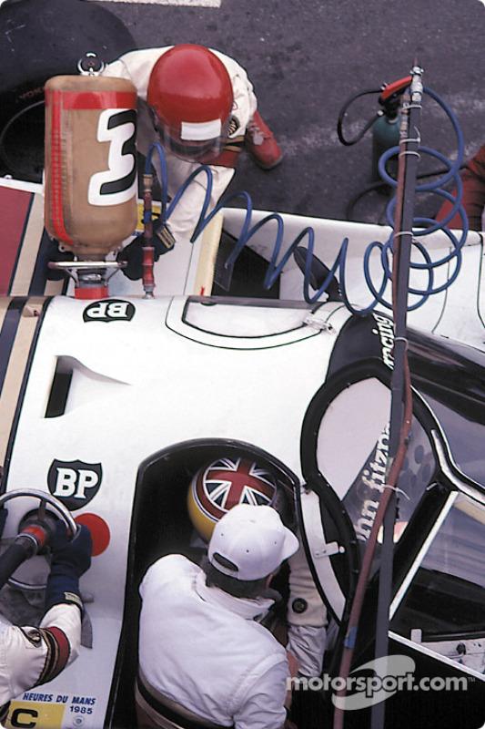 Boxenstopp für #33 Fitzpatrick Porsche Team Porsche 956: David Hobbs, Jo Gartner, Guy Edwards