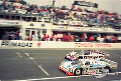 #7 Toyota Team Tom's Porsche 962C: David Hobbs, Didier Theys, Franz Konrad, #22 Silk Cut Jaguar Jagu