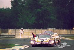 #3 Silk Cut Jaguar Jaguar XJR-9: Джон Уотсон, Рауль Боэсел и Анри Пескароло