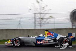 Christian Klien im Testauto von Red Bull Racing