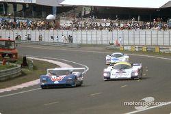 #100 WM Secateva WM P84 Peugeot: Pascal Pessiot, Roger Dorchy, Claude Haldi, #3 Rothmans Porsche Porsche 962C: Vern Schuppan, Drake Olson