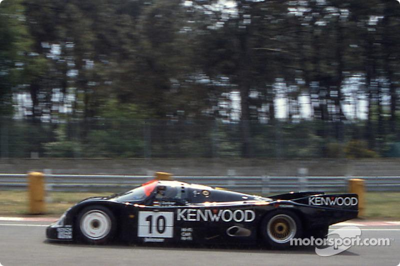 #10 Porsche Kremer Racing Porsche 962C: Сарел ван дер Мерве, Йо Гартнер и Кунимицу Такахаси