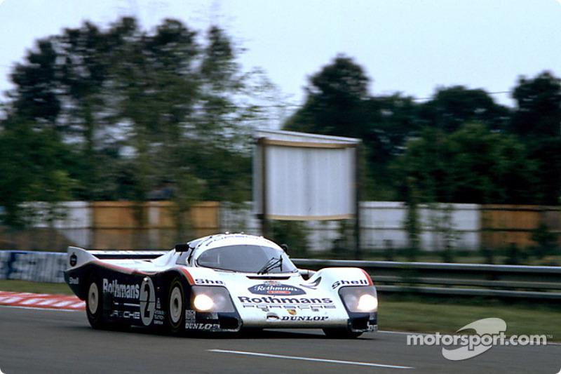 #2 Rothmans Porsche Porsche 962C: Йохен Масс, Боб Волкек, Верн Шуппан