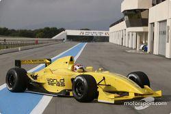 Photoshoot: the new Formula Renault 3.5 single seater