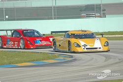Silverstone Racing Services Pontiac Crawford : Gene Sigal; Doran Racing Lexus Doran : Didier Theys, Jan Magnussen