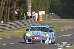 #81 The Racer's Group Porsche 911 GT3 RSR: Ian Donaldson, Gregor Fisken, Lars-Erik Nielsen