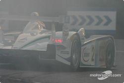 #2 Champion Racing Audi R8: JJ Lehto, Emanuele Pirro, Marco Werner smokes the tires