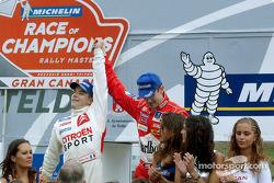 Sébastien Loeb ganó la carrera de campeones de 2003 frente a Marcus Gronholm