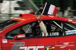 Final: el ganador Sébastien Loeb celebra