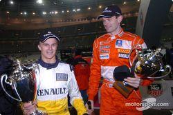Subcampeón de la Copa de las Naciones 2004: Heikki Kovalainen y Marcus Gronholm del Equipo Finlandia