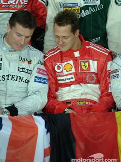 David Coulthard y Michael Schumacher