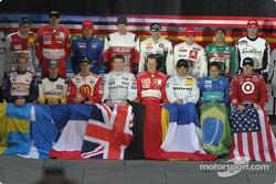 Los 16 pilotos de la carrera de campeones de 2004