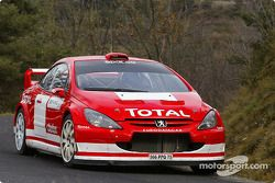 Markko Martin and Michael Park test the new 2005 Peugeot 307 WRC
