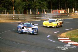 #23 Nissan Motorsport Nissan R89C: Масахиро Хасеми, Кадзуёси Хосино и Тошио Сузуки, #108 GP Motorsport Spice SE87C Ford: Дадли Вуд, Филипп де Хеннинг и Эван Клементс