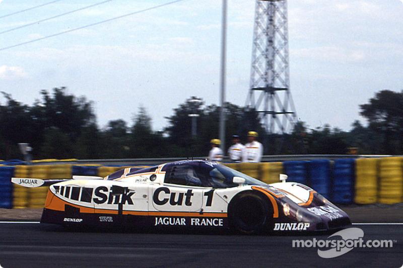 Silk Cut Jaguar Jaguar XJR-9 LM, 1989 год: Ян Ламмерс, Патрик Тамбэ и Эндрю Джилберт-Скотт