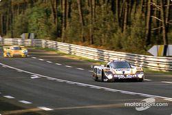 #1 Silk Cut Jaguar Jaguar XJR-9 LM: Jan Lammers, Patrick Tambay, Andrew Gilbert-Scott