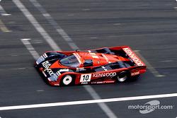 #10 Porsche Kremer Racing Porsche 962C: Кунимицу Такахаси, Джованни Лаваджи, Бруно Джакомелли