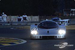 #62 Team Sauber Mercedes Sauber-Mercedes C9: Жан-Луи Шлессер, Жан-Пьер Жабуй и Ален Кудини