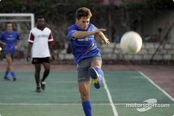 Giancarlo Fisichella plays football