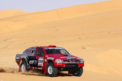 Nissan Rally Raid Team shakedown: Colin McRae and Tina Thorner
