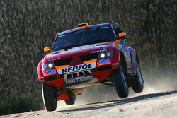 Mitsubishi Motors Repsol ATS Studios shakedown: Stéphane Peterhansel and Jean-Paul Cottret
