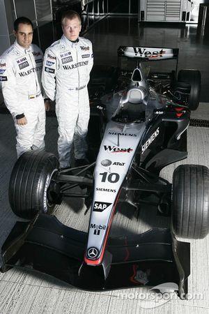Kimi Raikkonen ve Juan Pablo Montoya ve Mclaren MP4-19B