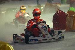 Kart race on ice: Michael Schumacher
