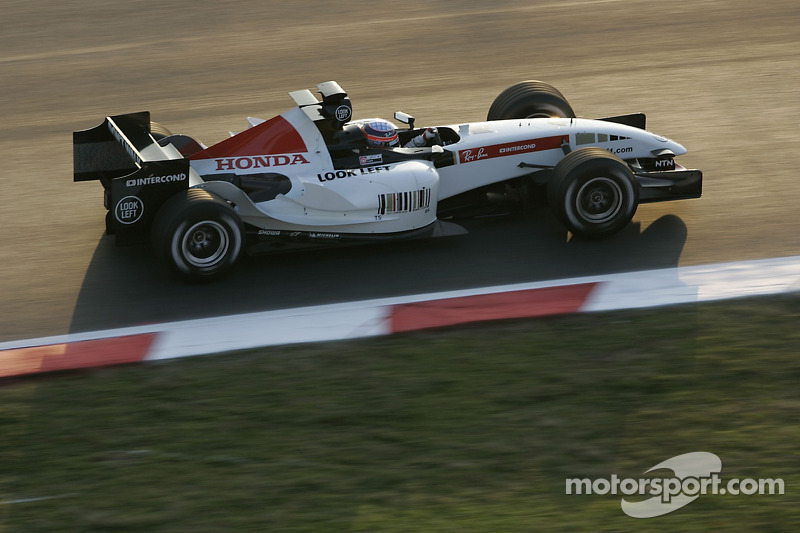 Takuma Sato testing new BAR Honda 007