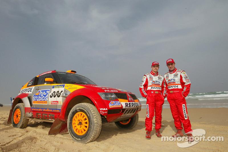 2005: Stéphane Peterhansel dan Jean-Paul Cottret, Mitsubishi Pajero Evolution