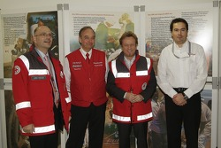L��bbo Roewer from German Red Cross, Toyota Motorsport Başkanı John Howett, Red Cross Ambassador Uwe
