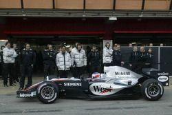 Kimi Raikkonen test ediyoryeni McLaren Mercedes MP4-20