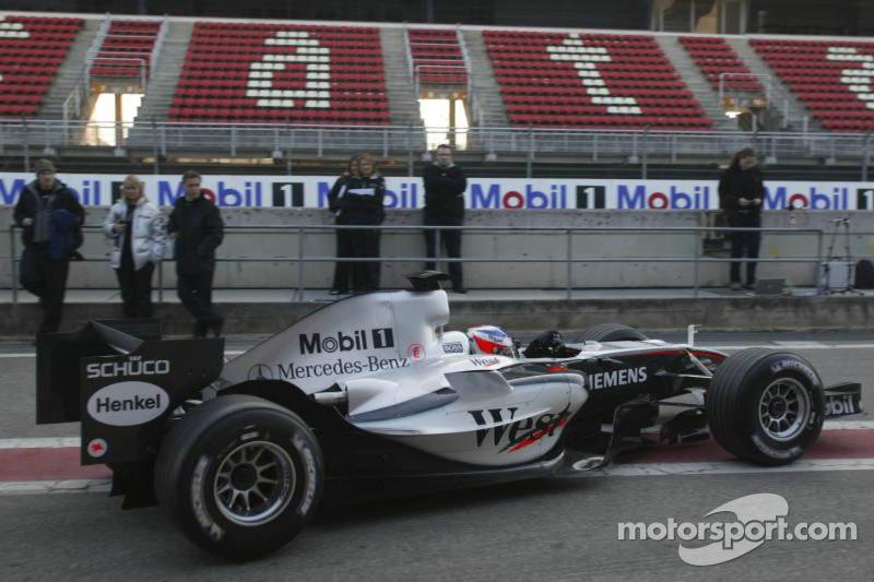 Kimi Raikkonen test de nieuwe McLaren Mercedes MP4-20