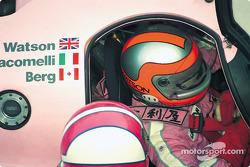 #44 Richard Lloyd Racing porsche 962C: John Watson pits Porsche rosa