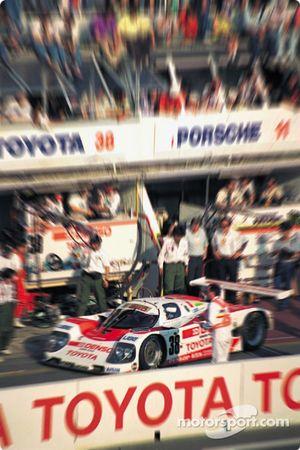 #38 Toyota 90C-V: Pierre-Henri Raphanel, Roland Ratzenberger, Naoki Nagasaka